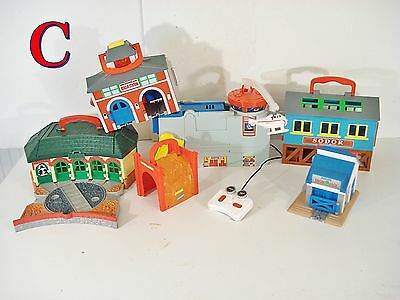 Thomas The Tank Engine Train Take Along N Play BUILDINGS LOT Harold Helicopter*C
