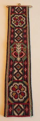 Swedish twist-stitch embroidered bellpull, trad. pattern with flowers and birds