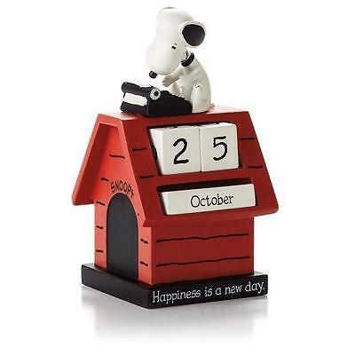 Hallmark Peanuts Snoopy HAPPINESS IS A NEW DAY typewriter perpetual calendar NWT