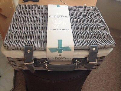 CHAMPNEYS RELAXATION HAMPER WICKER BASKET Bath & Body 7 Items