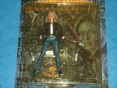 Buffy The Vampire Slayer Action Figure: BUFFY SUMMERS  1st Series Moore Collecti