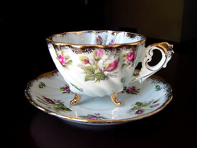 ViNTaGe 3 Footed White SWiRL Porcelain Tea Cup & Saucer w/Red RoSES & GOLD Trim
