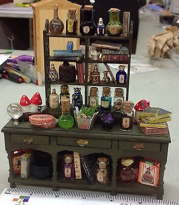 Witch/wizard/potion masters Dresser