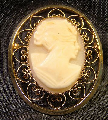 Pretty Vintage 12 K Gold Filled Victorian Heart Filigree Cameo Pin Brooch