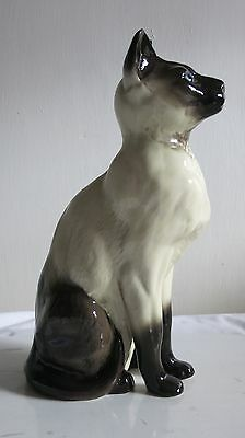 Beswick SIAMESE CAT 2139 Fireside Models. 1st quality in excellent condition.