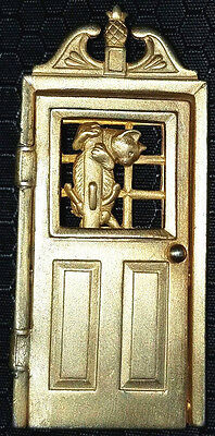 Vintage Gold Tone Cat And Mouse Open Close Door Pin Brooch~Signed: Jj