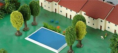 Set: swimming pool (2 pieces) and tennis court (2 pieces)