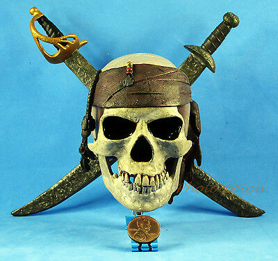 PIRATES OF THE CARIBBEAN JACK SPARROW Logo Model Display Decor Ornament A380