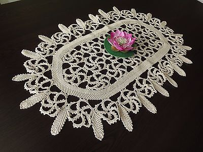 Beautiful Floral Vintage Handmade Cotton Crochet Ecru Oval Tabecloth
