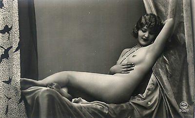 Over 16,500 Vintage Risque Images of WOMEN  on DVD