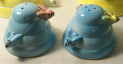 VINTAGE MENSCHIK GOLDMAN BLUE FIGURAL BEE SALT AND PEPPER SHAKERS JAPAN 1950's