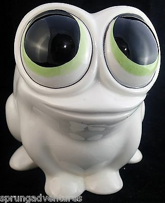 Smiling White Frog Toad Super Big Eyes Planter Made in Japan Cute Ceramic