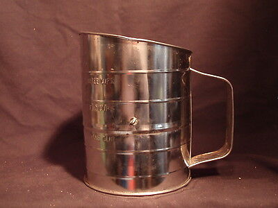 Vintage Country Kitchen Bromwells Measuring Sifter 1-3 Cups Brown Wood Handle