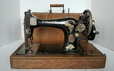 Antique Singer Sewing Machine 128k Model 1913 Hand Crank with Case