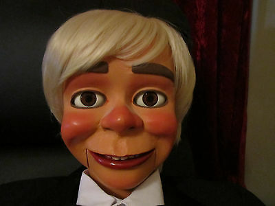 Stunning Large Carved Ventriloquist Figure Dummy Puppet Doll Prop Rare!