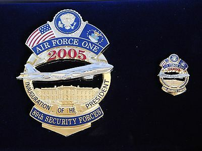 AIR FORCE ONE 89TH Presidential SECURITY FORCE 2005 BADGE & PIN SET