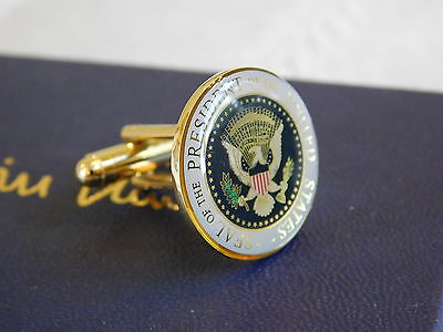 2 Presidential Seal Bill Clinton White House gifts Cufflinks and pin Authentic