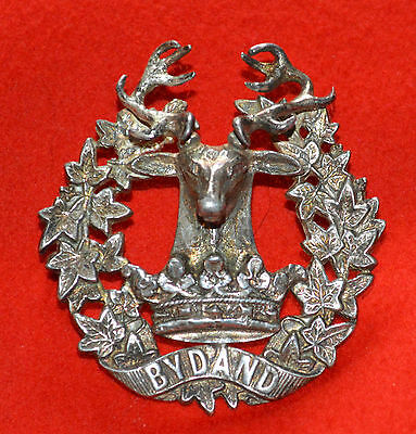 British Army. Gordon Highlanders Genuine Officer's Silver WW1 Cap Badge