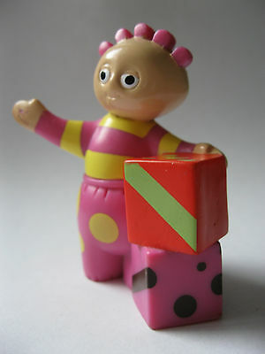 TOMBLIBOO EEE stamped Hasbro 2006 In the Night Garden about 2.5 inches tall