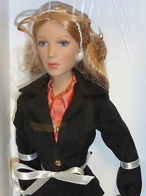 """Madame Alexander 16"""" FASHION Doll - LYNETTE SCAVO from DESPERATE HOUSEWIVES"""