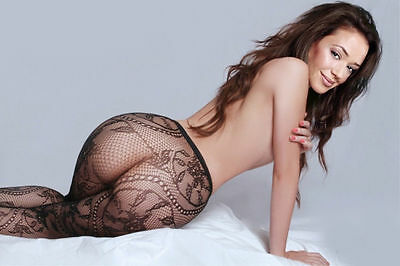 Leah Remini Amazing And Sensual Wearing Her Beautiful Buttocks 8x10 Picture Cele
