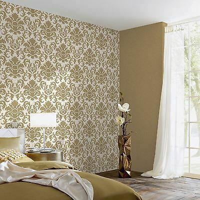 P&s Carat Damask Glitter Wallpaper Gold And White - 13343-70 Feature Wall