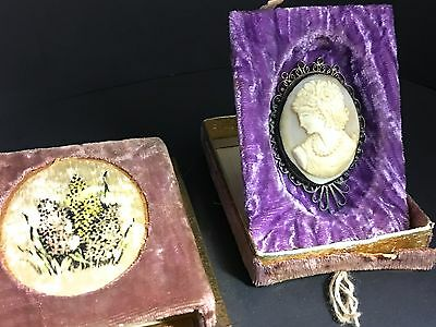 Vintage Hand Carved  Cameo In Silver Filigree Setting Pendant With  Easel Box