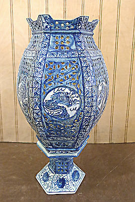 Chinese Old Style Blue Hexagonal  Porcelain Wedding Lamp Candle Stand Vase