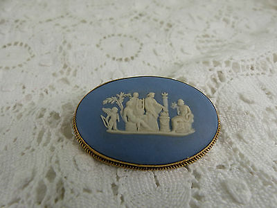 Large 9ct 9carat Gold Blue & White Wedgwood Brooch 1979