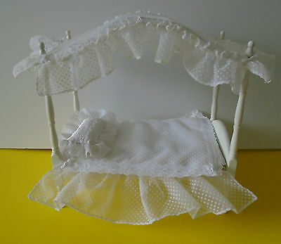 """Tonner Canopy Bed For 8"""" Tiny Betsy McCall and Friends Complete Ex. Condition"""