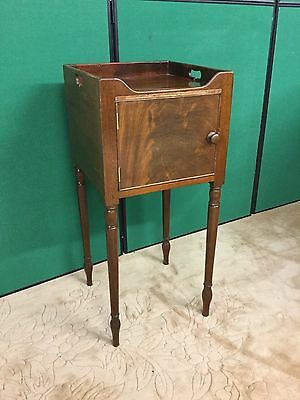 Antique Georgian Mahogany Tray Top Bedside Cupboard / Lamp Table