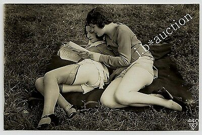 WOMEN w NUDE THIGHS OUTDOOR Vintage 30s Ostra / BIEDERER Photo PC Lesbian Int #3