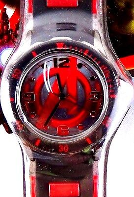 Marvel Avengers Age of Ultron Analog Wristwatch Silicone Band Red Black Watch