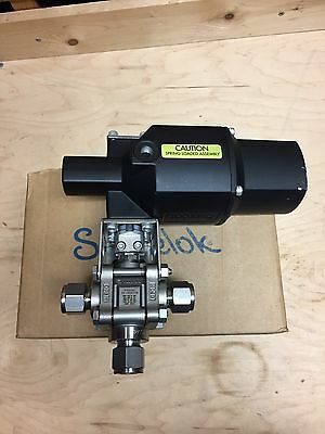 """Swagelok Ss-63Xts8 Actuated Stainless Steel 3-Piece Ball Valve 1/2"""" Tube Fitting"""