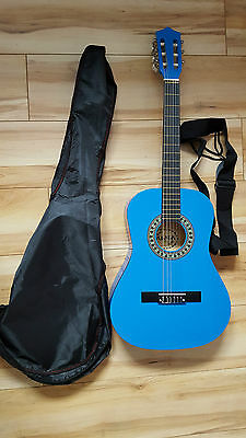 Palma 3/4 Size Guitar in Blue with Carry Bag, Strap and Pitch Pipe