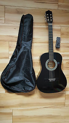 Palma 3/4 Size Guitar in Black with Carry Bag, Strap and Pitch Pipe