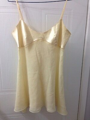 Women's Victoria Secret Lingerie Short Dress Cream Colour Size Medium