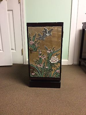 chinese furniture, hand engraved & painted wooden lacquered (Gold foil) cabinet