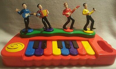 Spinmaster Wiggles Red Dancing Music PIANO Machine Greg, Murray, Anthony, Jeff