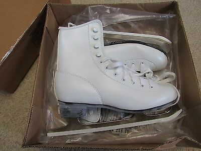 ⛸ CHICAGO  ICE SKATES  ladies size 5 White Figure Skates, only worn a few times