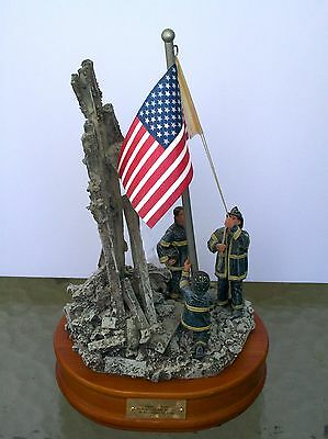 """New 2001 RED HATS of COURAGE """"Image Of Hope"""" Vanmark MUSIC BOX PLAYS National An"""