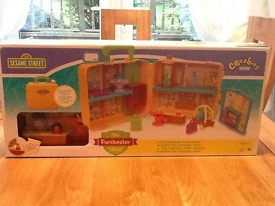 Sesame Street The Furchester Hotel Playset Brand New 18+ Months Free Uk Postage!