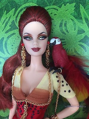 Gold label, Macaw barbie