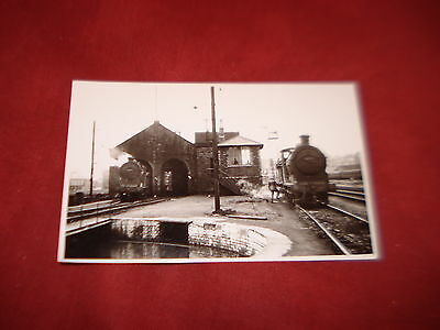 VINTAGE SCOTLAND: STIRLING Shore Street RAILWAY TRAIN REPRINT RP  b&w