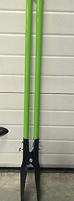 Fence Post Hole Digger with Fibreglass Handles