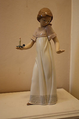 Nao by Lladro Girl with Candle Figure