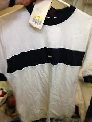 NIKE T SHIRTS cottonIN/  vintage in small menms 34/36 bnwlAT £8 vintage