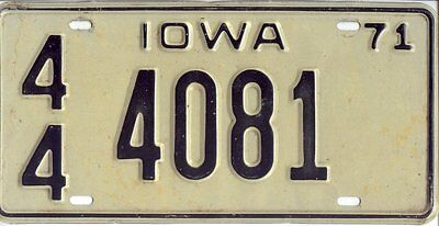 Iowa 1971 Embossed License Plate 44 4081 $9.99 No Reserve!!!!