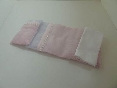 Dolls House Emporium Miniature 1:12th Scale Bedroom Single Pink Pattern Bedding
