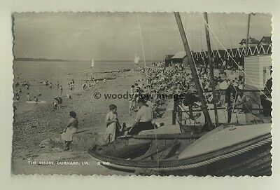 iw0043 - The Shore , Gurnard , Isle of Wight - postcard by Dean
